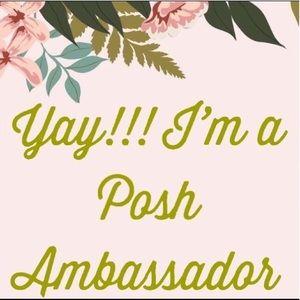 SHOP WITH CONFIDENCE IM A POSH AMBASSADOR!